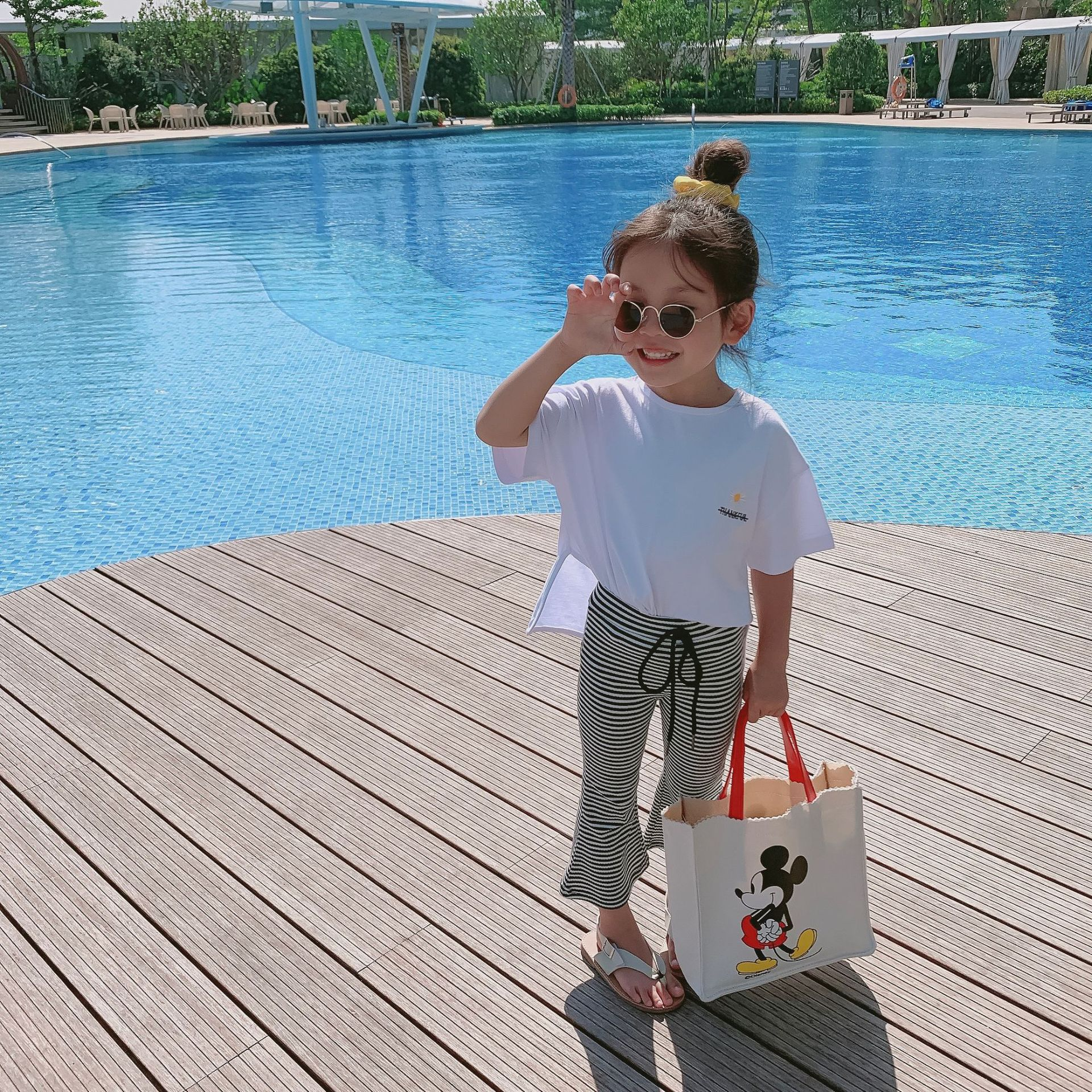 Summer New Arrival Korean Style Clothing Sets Embroidery Flower Short Sleeve T-shirt With Striped Flared Pants For Fashion Girls