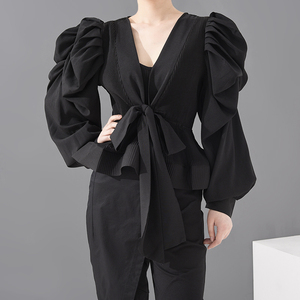 [EAM] Women Black Pleated Bandage Blouse New V-collar Long Sleeve Loose Fit Shirt Fashion Tide Spring Summer 2020 1T92101S