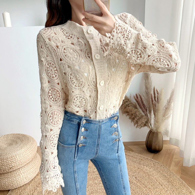 Korean Vintage Winter Blouses Floral Embroidery Knitted Lace Blouse Women 2020 Hollow Out Elegant Lace Shirt Women Cardigan