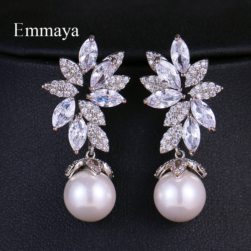 Emmaya Newest Elegant Style Leaves Shape With Pure Pearl Earring Symmetrical Decoration In Wedding Party Women Fashion Jewelry