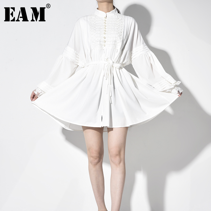 [EAM] Women White Pleated Stitch Big Size Shirt Dress New Stand Collar Long Sleeve Loose Fit Fashion Spring Autumn 2020 JO3700