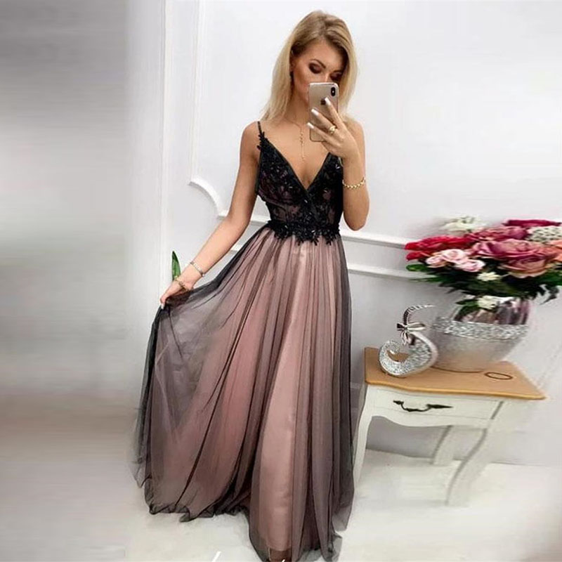 Long Prom Dresses Lace Appliques V-Neck Open Back A-line Black And Champagne Formal Party Evening Gowns Vestidos De Festa 2020