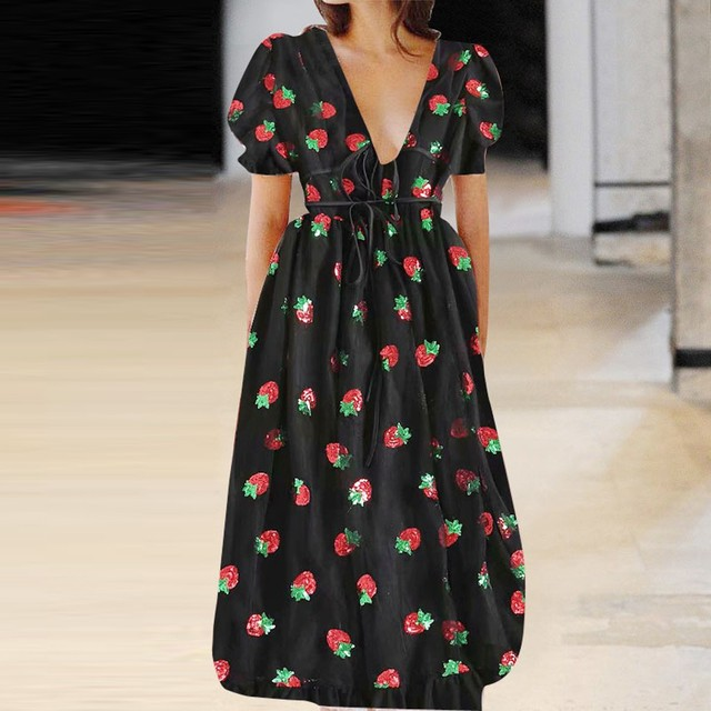 Summer Dress Fashion Women Casual Strawberry Sweet Mesh Yarn V-Neck Pleated Long Skirt Sexy Party Dress Vestidos de fiesta