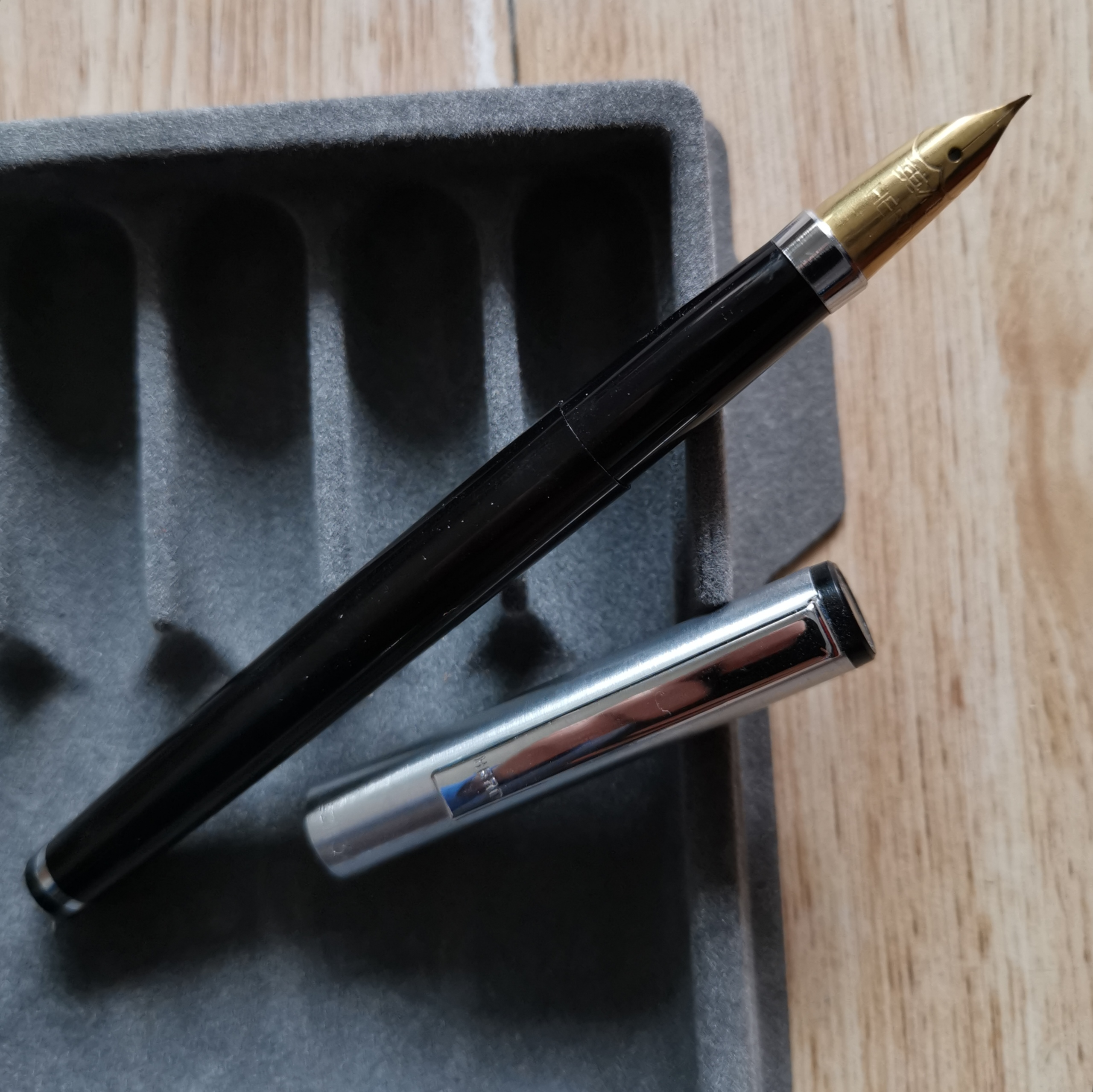 Old Stock Hero Black 345 Fountain Pen Ink Pen Fude Nib 1998S Stock Stationery Office School Supplies