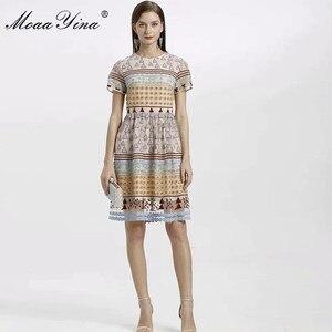 Image 2 - MoaaYina, vestido de diseñador de moda para primavera y verano, vestido de mujer de manga corta de malla triangular de lunares bordados, vestidos elegantes Vintage