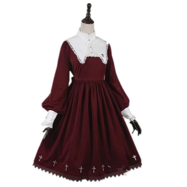 средневековое готическое винтажное платье в стиле милой лолиты фотография