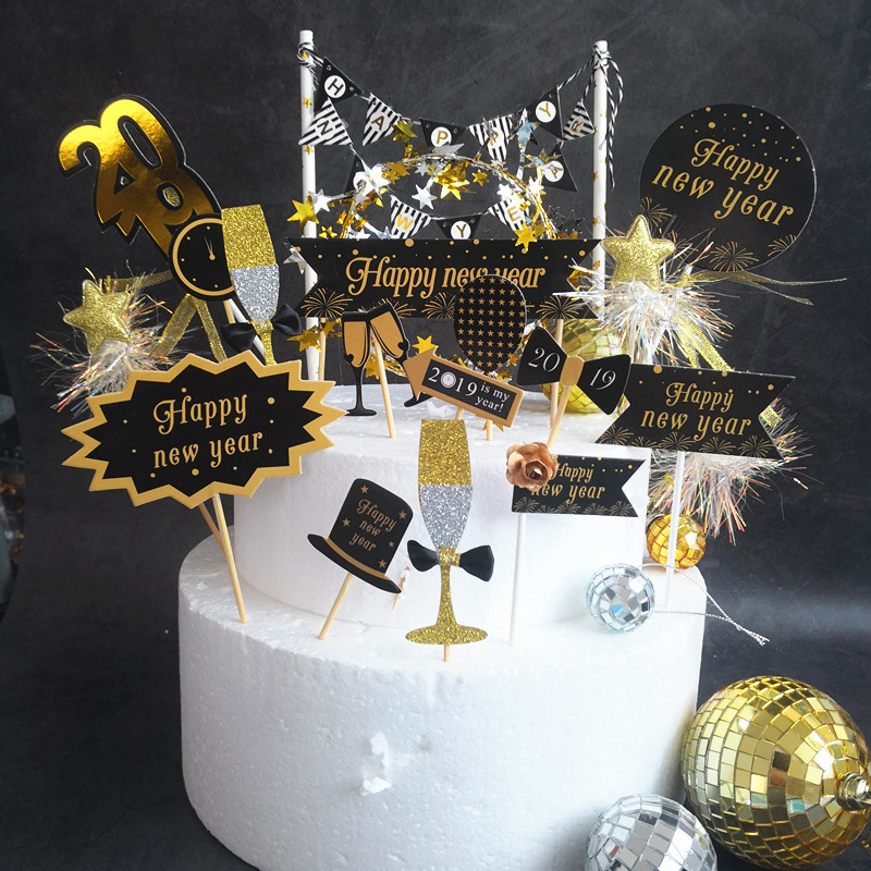 Black Gold Happy New Year Flag Cake Topper Dessert Table Dessert Dress Up Party Supplies Cake Topper for DIY Party Decoration G