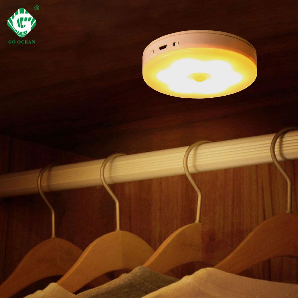 แบตเตอรี่ LED ภายใต้ตู้ Light 5V PIR Motion Sensor Puck โคมไฟตู้เสื้อผ้าตู้เสื้อผ้าห้องนอนห้องครัวไฟผนัง