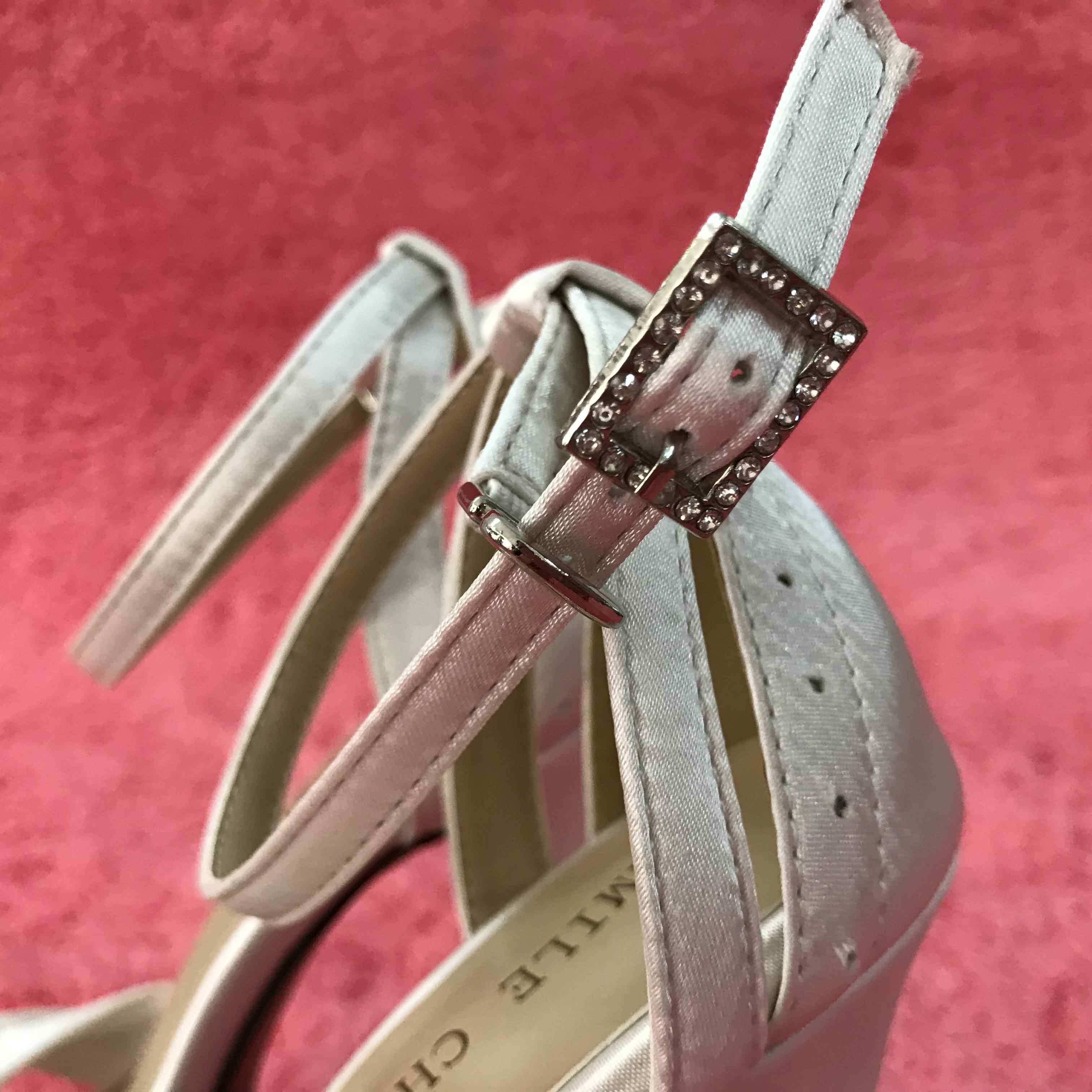 Donne eleganti Da Sposa di Alta Sandali Tacco Avorio In Raso Cinturino Alla Caviglia Sexy Stiletto Della Piattaforma Bridals Festa di Matrimonio Scarpe Delle Signore 4SL-b1