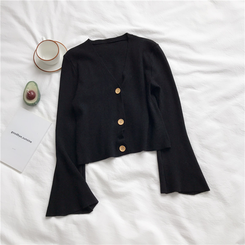 Women's Knit Cardigan Sweater Fashion Chic Short  Knit Cardigan New Short Thin V-neck Flare Sleeve Outer Tops Female Tops GD049