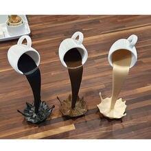 25cm flutuante derramando copo de café escultura cozinha decoração derramando magia derramando respingo