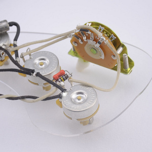 Geladen Pre-wired Elektrische Gitarre Kabelbaum Prewired Kit (3x250K Messing CTS Töpfe + 5-weg Schalter)