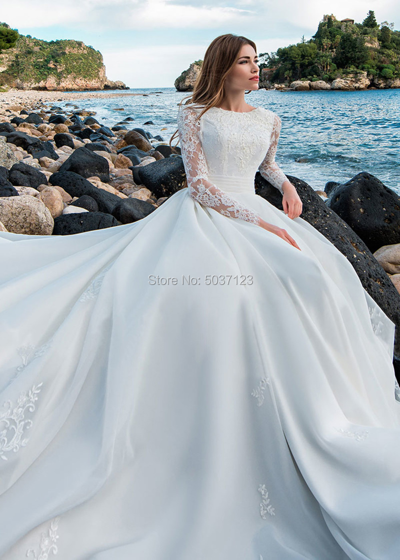 Image 3 - Long Sleeves Ball Gown Wedding Dress O Neck Lace Appliques Backless Vestido De Noiva Bridal Gown Robe De Mariée Court Train-in Wedding Dresses from Weddings & Events