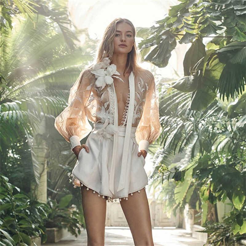 TWOTWINSTYLE Tops Sheer Bordado Floral Longo Lanterna Luva Das Mulheres Elegante Blusa de Chiffon Camisas 2019 Verão Coreano Nova Moda