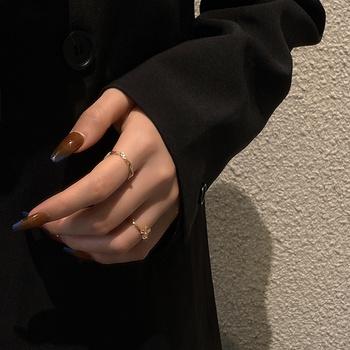Nowy product new Arrival biżuteria w koreańskim stylu na lato złoty łuk kobiet palec kobiet pierścień Party pierścienie dla kobiet kobiet pierścień tanie i dobre opinie CN (pochodzenie) Miedziane Kobiety Metal TRENDY Obrączki ślubne GEOMETRIC 14mm None J422 Brak moda zaręczyny Pierścionki