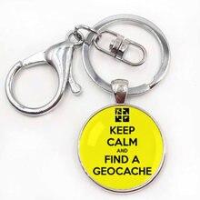 Porte-clés avec symbole de géocaching, jeu de plein air Gratuit, activité de géocaching gratuite, garder le calme et l'amour, pendentif étiquette de voyage