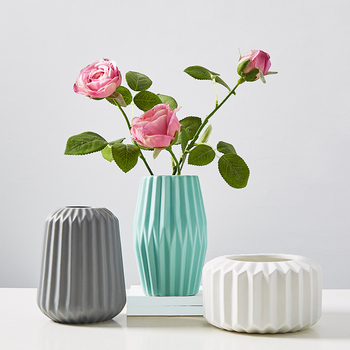 Origami Matte Vase Modern Ceramic Flower Vase Elegant Tabletop Vase for Home Wedding Decoration 1