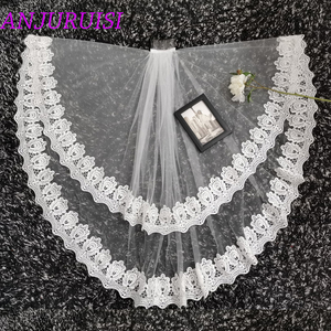 Image 3 - 2020 New Two Layer Ivory Tulle Wedding Veil Lace Edge Cheap Short Bride Velo Elbow Length Wedding Accessories Boda Velo de Novia