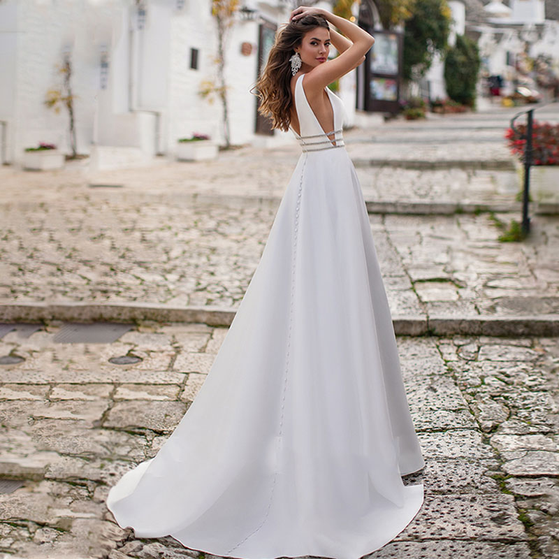 Eightree Sexy V-Neck Wedding Dress 2020 Soft Satin Simple Sleeveless Backless Bridal Dress Vestido Novia Vintage Wedding Gowns