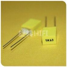50PCS AV R82 1 uF/63 V P5MM צהוב נחושת סרט קבלים KEMET 105/63V MKT 1K63 1000nF 63V Arcotronics RSB 1UF63V 105K63