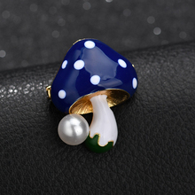 YADA Fashion Cute Mushroom Pins&Brooches for Women Men Clothes Scarf buckle collar jewelry pins Pearl Mushroom Brooches BH200027 funmor korean round lady brooches simulated pearl metal corsage circle scarf decoration hair sweater cloak buckle pins jewelry