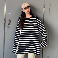 Europe And America Hot Selling Large Version of Plant Autumn And Winter Black And White Stripes Long-sleeved T-shirt Mid-length(China)