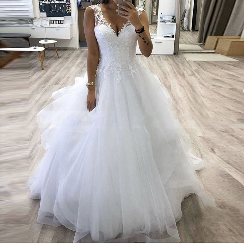 ZJ9210 V neck Princess Ball Gown Wedding Dress With Tiered Tulle Skirt White Customize Bride Dress Winter Bridal Gowns