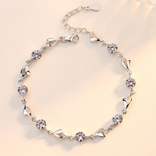 One Silver Plated Art Series Blue Crystal Heart Bracelet Women's Inlaid Zircon Heart Bracelet Simple and Fashionable
