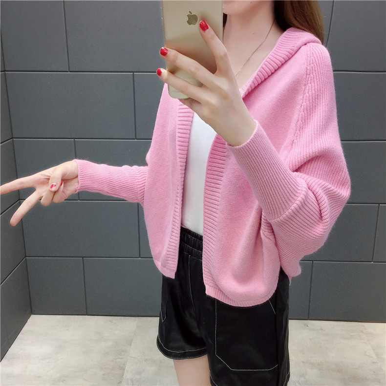 2019 Free send New style Korean loose and comfortable Autumn women Cardigan Sleeve of bat Hooded Sweater coat 137
