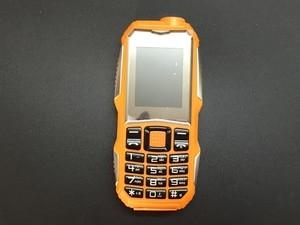 Image 2 - 2018 qualité prix bas Mobile avec caméra MP3 FM antichoc anti poussière robuste sport S8 téléphone pas cher ((peut ajouter le clavier russe)