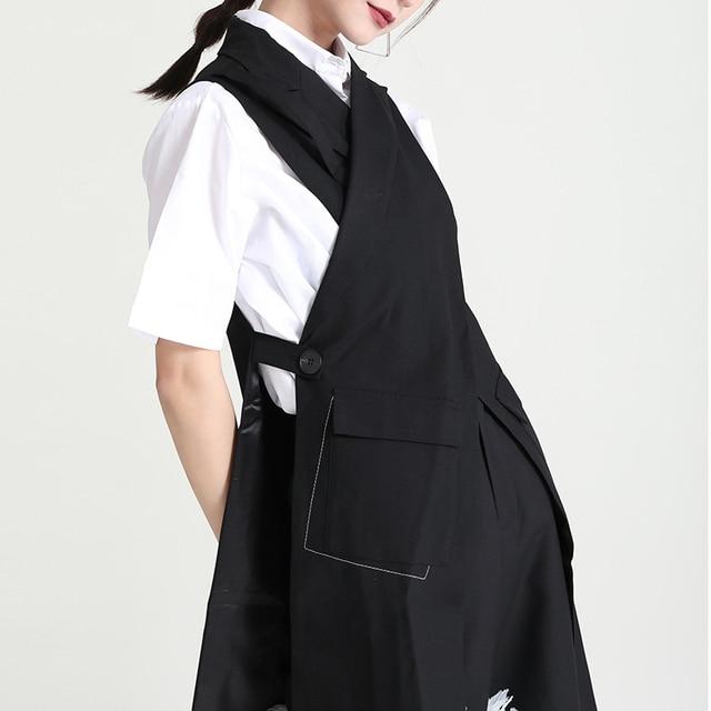 [EAM] Women Loose Fit Black Cross Spliced Irregular Long Vest New Lapel Sleeveless Fashion Tide Spring Summer 2021 1DD9297 3