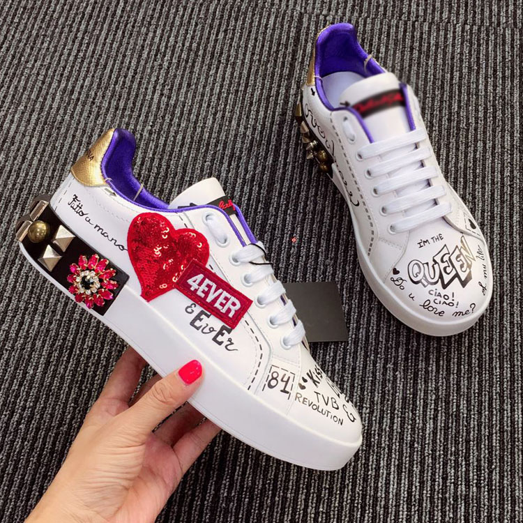 2019 Designer's New Low Top Round Head Lace Up Thick Bottom Graffiti Personalized Women's Shoes Cool Rose Casual Shoes