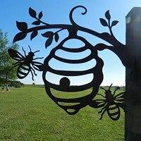 Colmena de abeja de Metal, decoración metálica de jardín, colmena de miel, figuritas de Metal para exteriores, árbol para jardín, estacas, decoración para el hogar