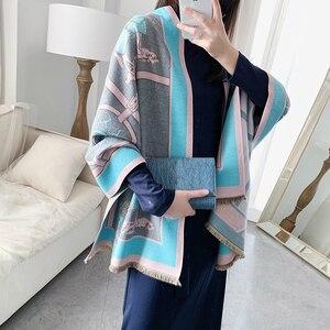 Image 3 - Bufanda de Cachemira para mujer, chal cálido para invierno, Bandana con estampado de cadena de lujo, moda 2020