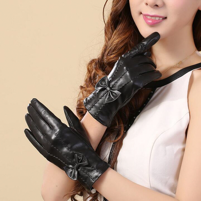 Women's Leather Gloves Winter Gloves Touch Screen Sheepskin Gloves Women's Driving Plush Thick Warm Bowknot Glove Christmas Gift