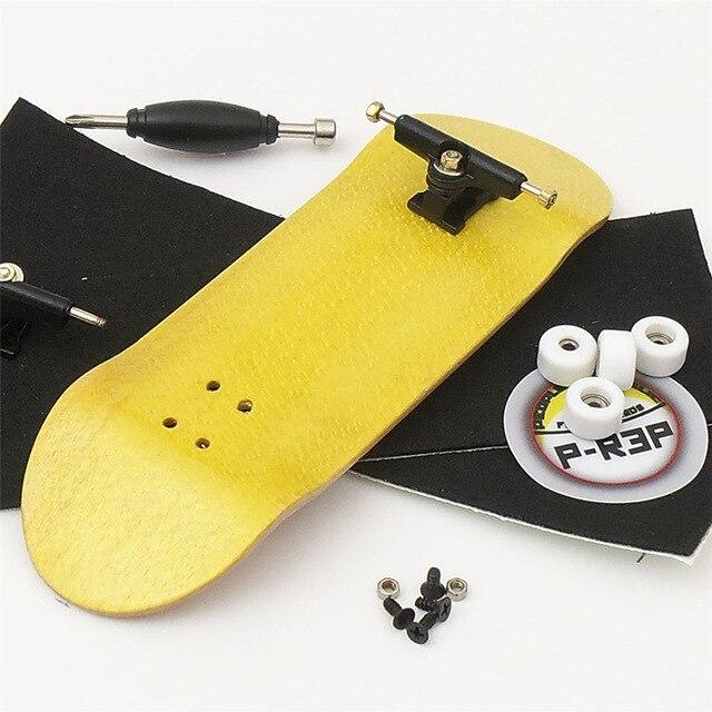 32mm Color Random Wooden Fingerboard Professional Finger SkateBoard Fingerboars With Bearings Wheel Tape Set Finger Skateboards