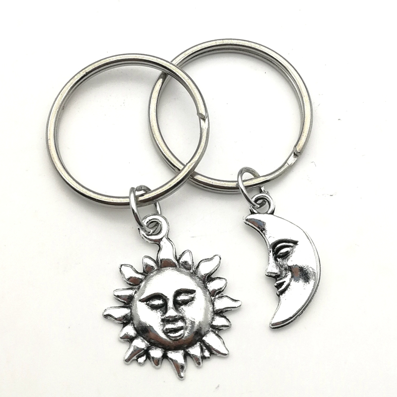 2020 New Sun And Moon Keychain Souvenir Couple Keychain Silver Hoops, Hoop Key Ring Creative Charm Handmade Women's Gift