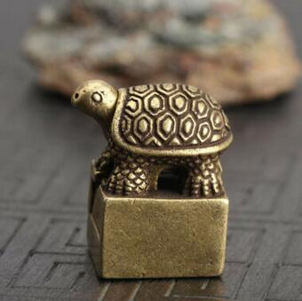 Chinese Collectible Bronze Carving Recruit Money Turtle Seal Animal Statue Exquisite Small Statues