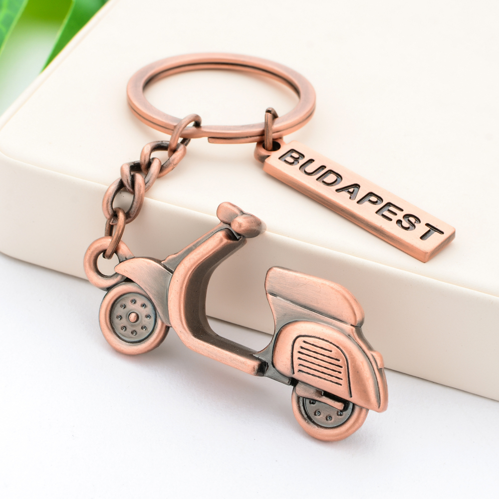 Vicney Stylish Scooter Keychain Antique Copper Zinc Alloy Budapest Tour Motor Scooter Key Chain Keyring Key Gift For Friend