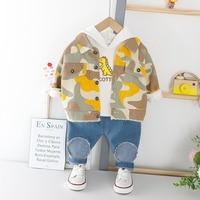 HYLKIDHUOSE/2020 г.; весенние комплекты одежды для маленьких мальчиков; одежда для малышей; камуфляжное джинсовое пальто с длинными рукавами; футбо...