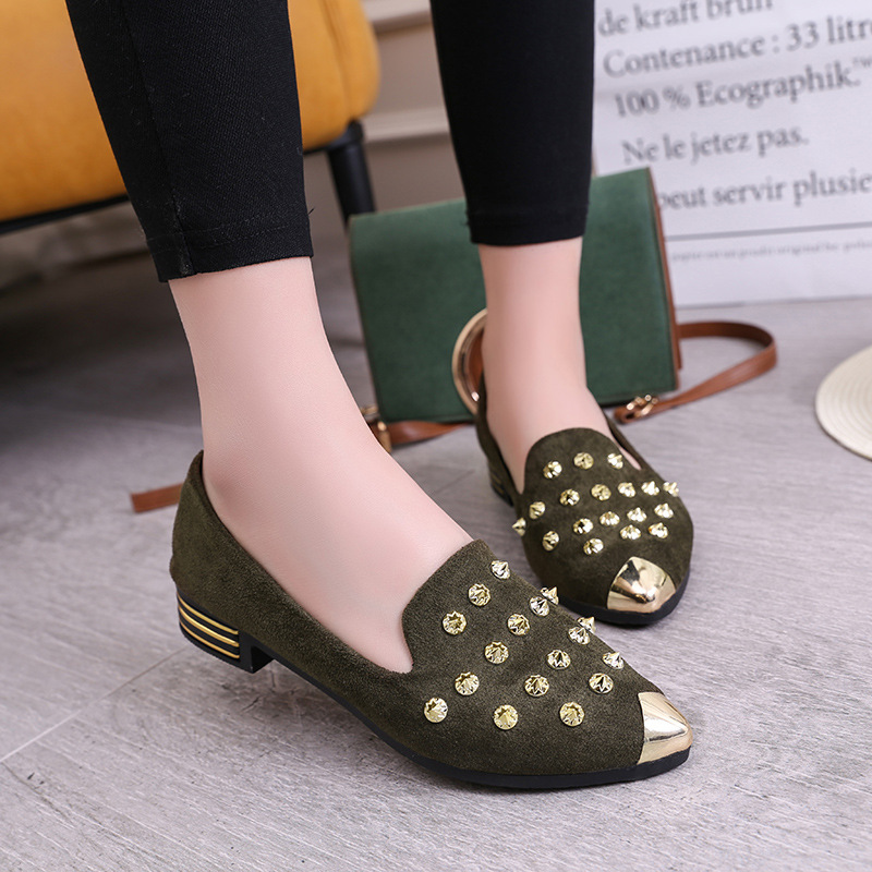 Autumn New Style Chunky Heel Pointed Shoes Women's Rivet Anticollision Toe Holder Loafers Low Heel Retro WOMEN'S Shoes