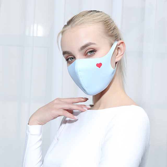 Cute Heart Print Unti-dust Mask Mouth Mask Kpop Cartoon Summer Masks Anti-UV Stereo Unisex