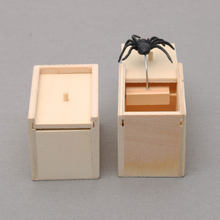 Prank Wooden Scare Box Spider Hidden in Case April Fool's Day And Halloween Funny Gift Toys For Your Kids Make Fun