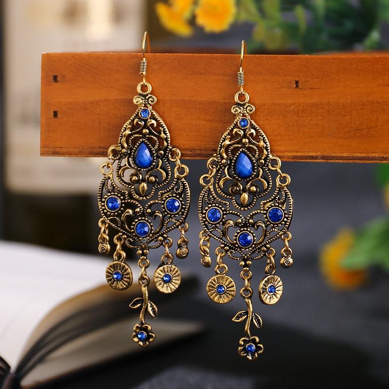 Wersja kolczyków z niebieskimi kryształami.