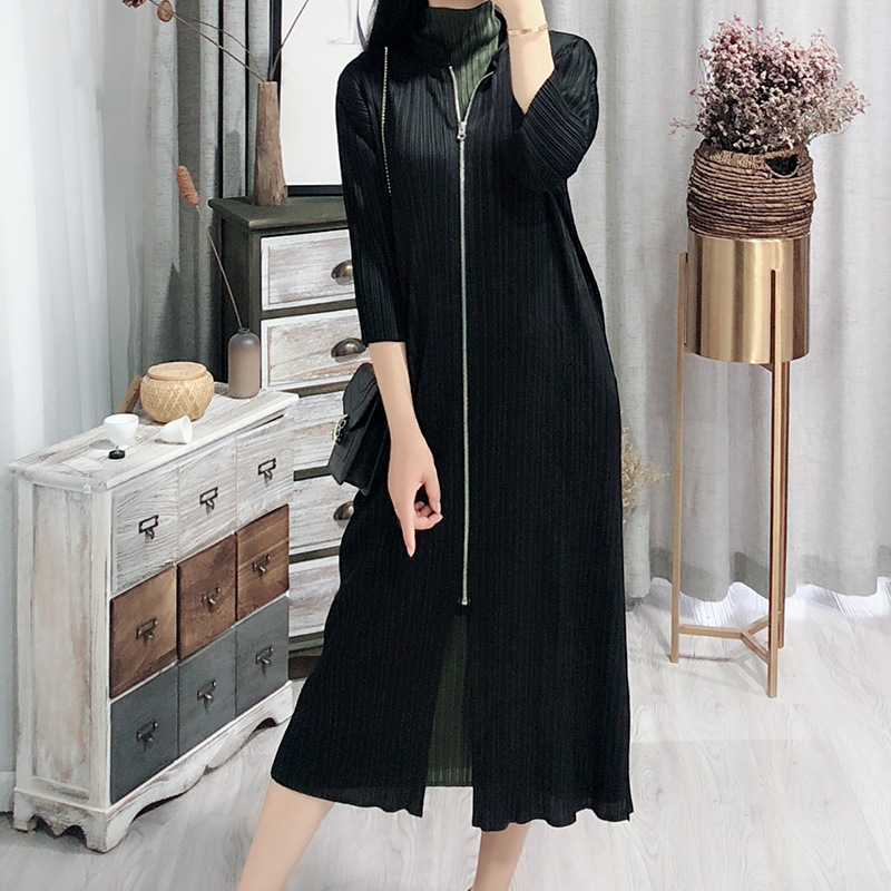 LANMREM 2020 New Spring Stand Collar Zipper Mid-length Trench Coat Women Vintage Loose Big Size Pleated Windbreaker Tide PD805