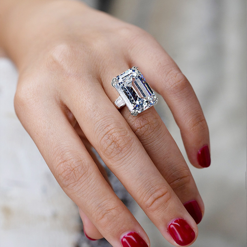 Huitan Luxury Solitaire Big Rectangle CZ Women Wedding Ring Engagement Ring Evening Party Elegant Female Fashion Jewelry Gifts