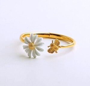Image 5 - CSxjd New High quality luxury Personality white daisy sun flower bee open bracelet