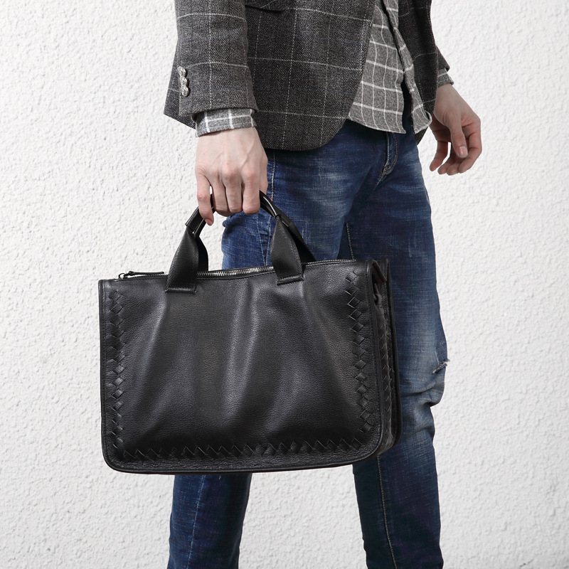 New Men's Handbag Soft Leather Casual Woven Large-capacity Briefcase Shoulder Slung Laptop Bag Top Layer Leather Men Travel Bags