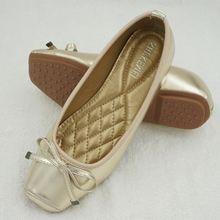 Туфли женские на плоской подошве с бантом