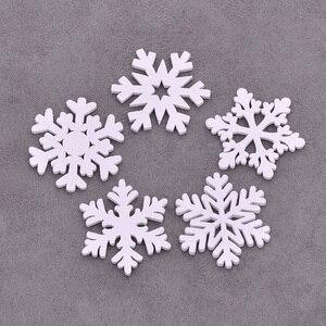 Image 4 - JUNAO 25 35 مللي متر مزيج شكل الثلج خشبية عيد الميلاد الديكور للمنزل عيد الميلاد حلي معلقة هدايا الاطفال السنة الجديدة ديكورات